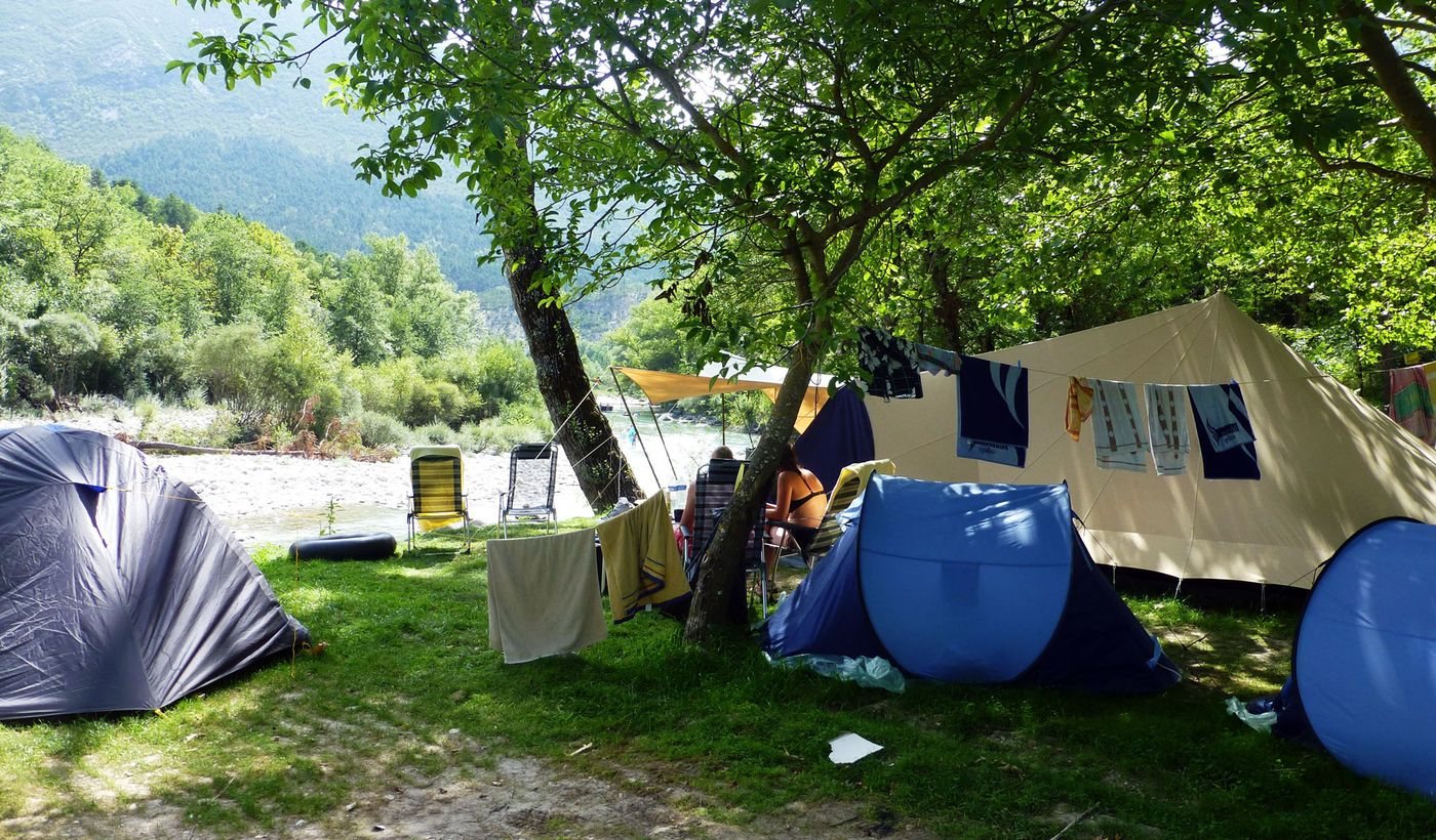 Des emplacements du Camping Chasteuil Provence