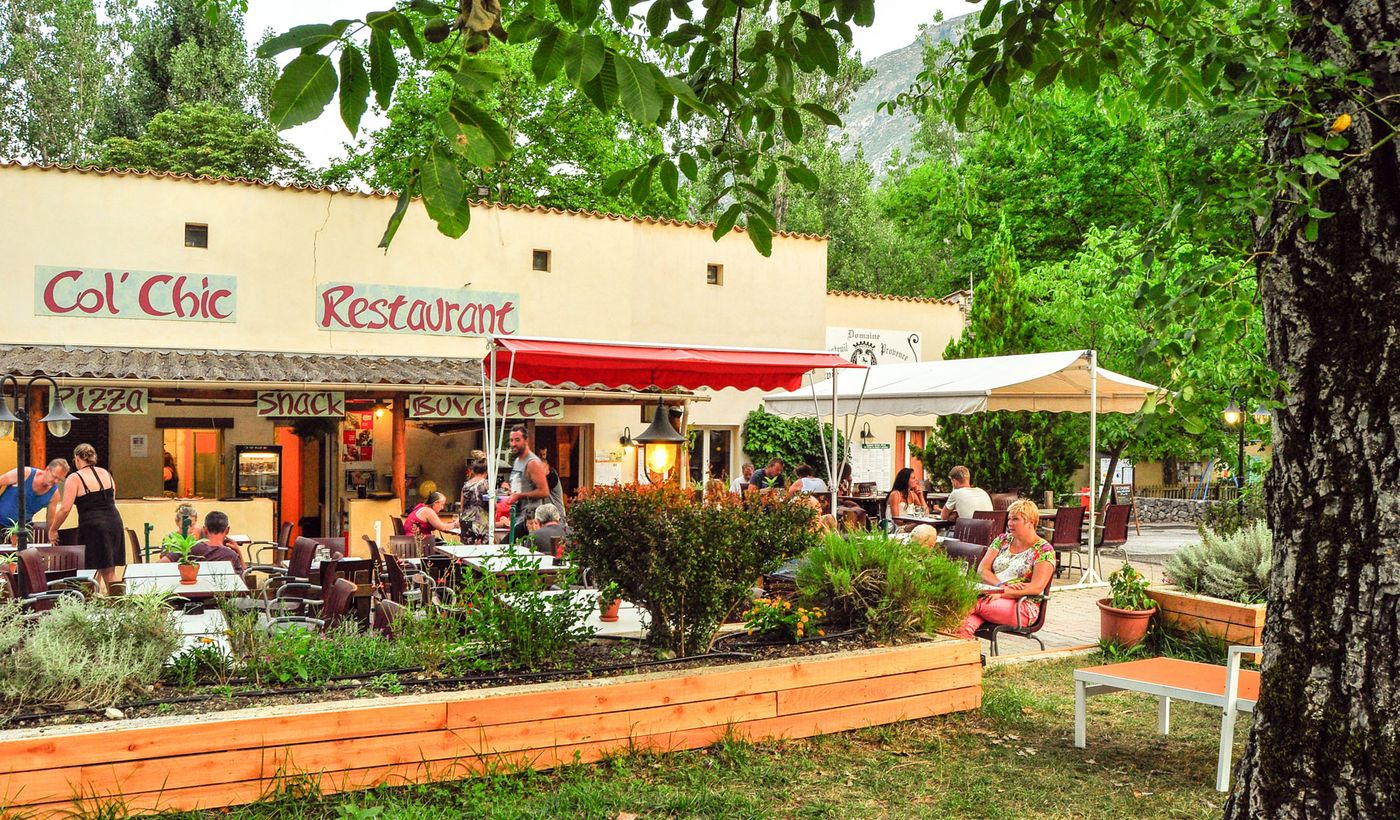 Le bar / restaurant du Camping Chasteuil Provence