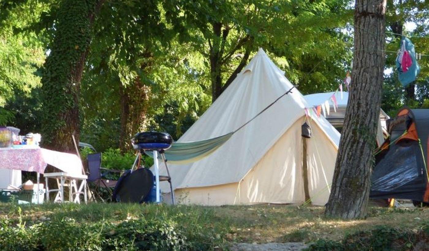 Lodges et tentes aménagées