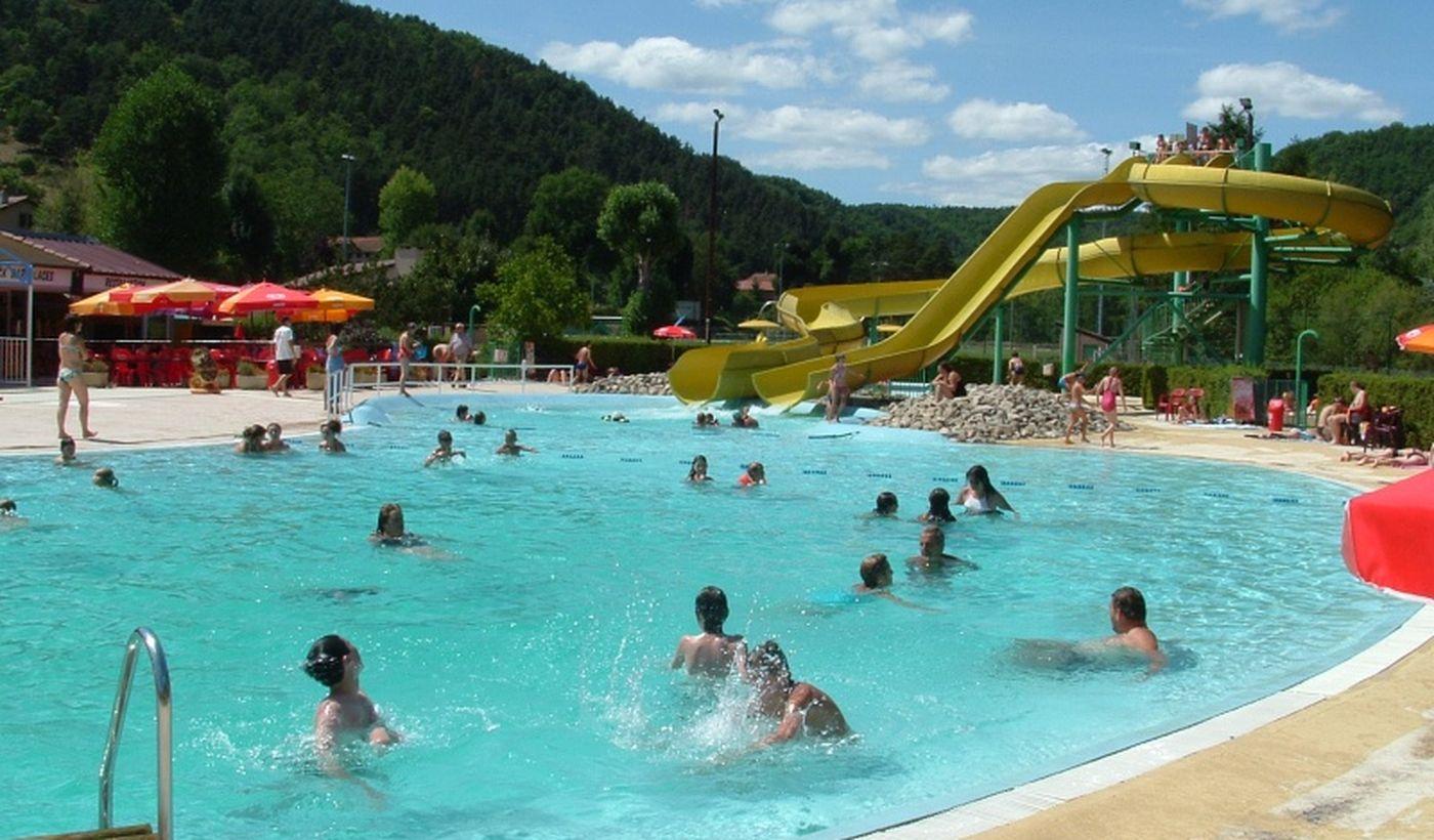 La piscine du Camping les Moulettes
