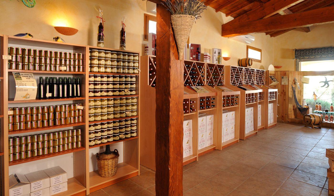 La caveau winery du Domaine La Yole