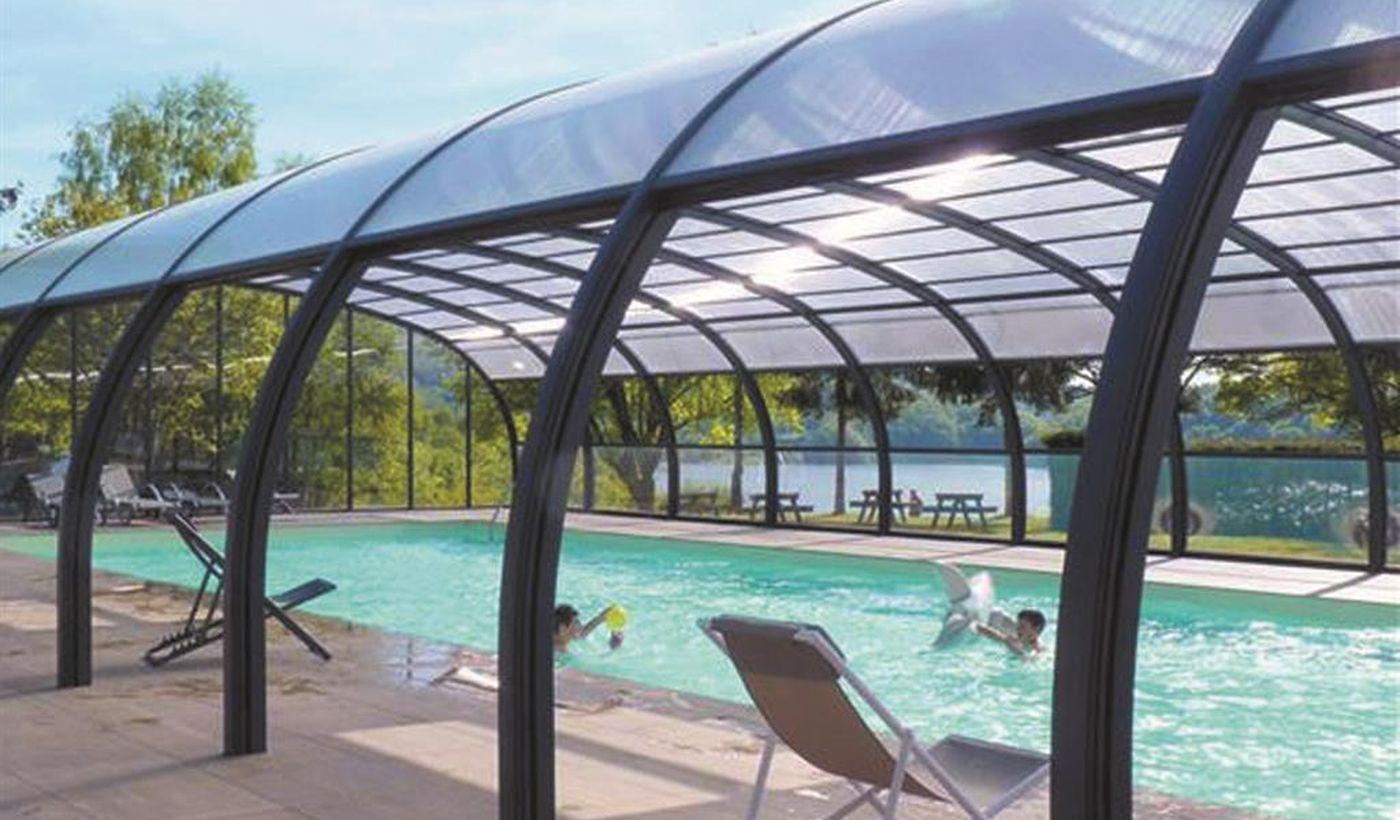 La piscine du Camping le Lac de la Siauve