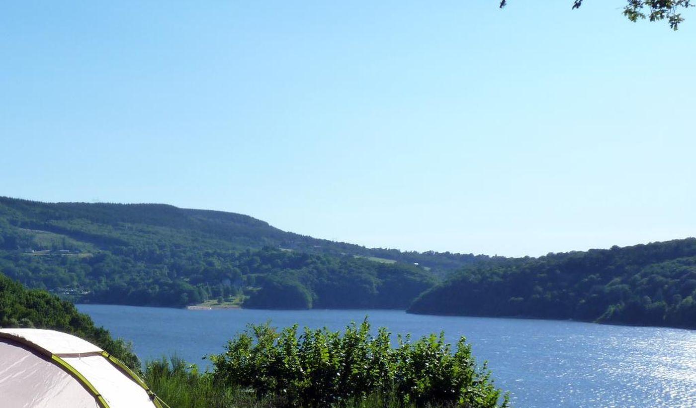 Emplacements pour tentes - Camping le Lac de la Siauve
