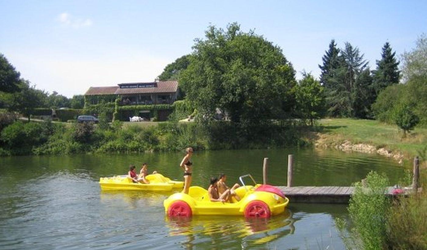 Activités sur le lac - Les Logis de L'Oumois