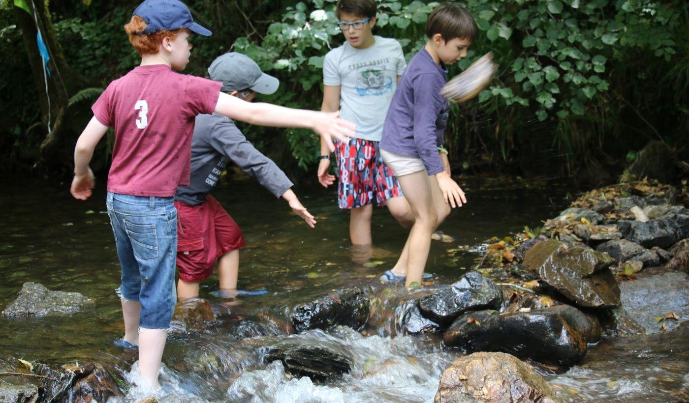 Les ruisseaux près du Camping Moulin de Chaules