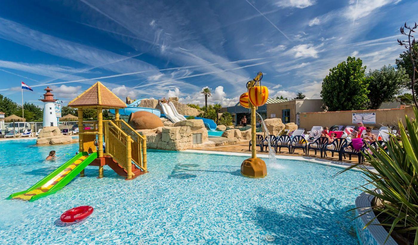 L'espace aquatique avec piscine couverte chauffée