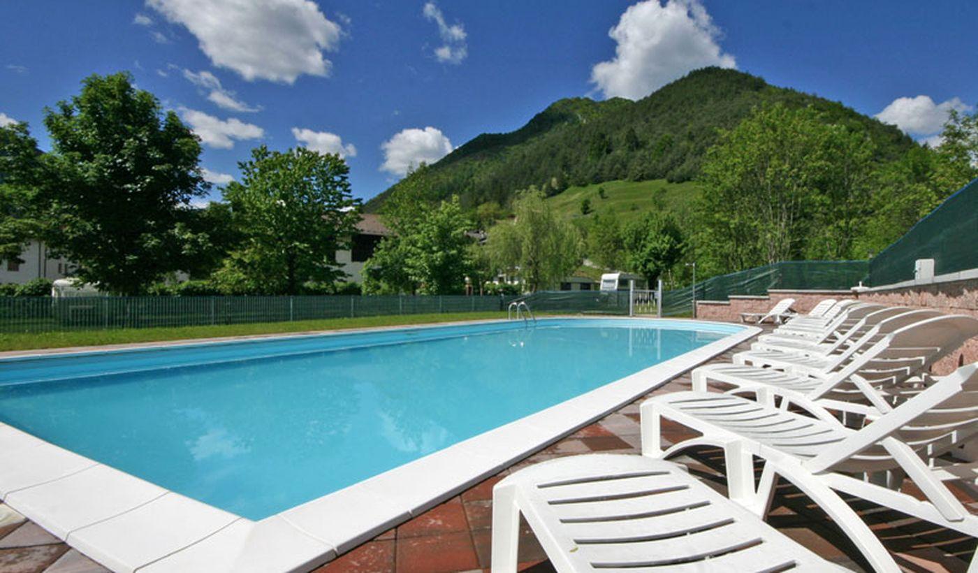 Camping mit Pool in Ledro, Südtirol