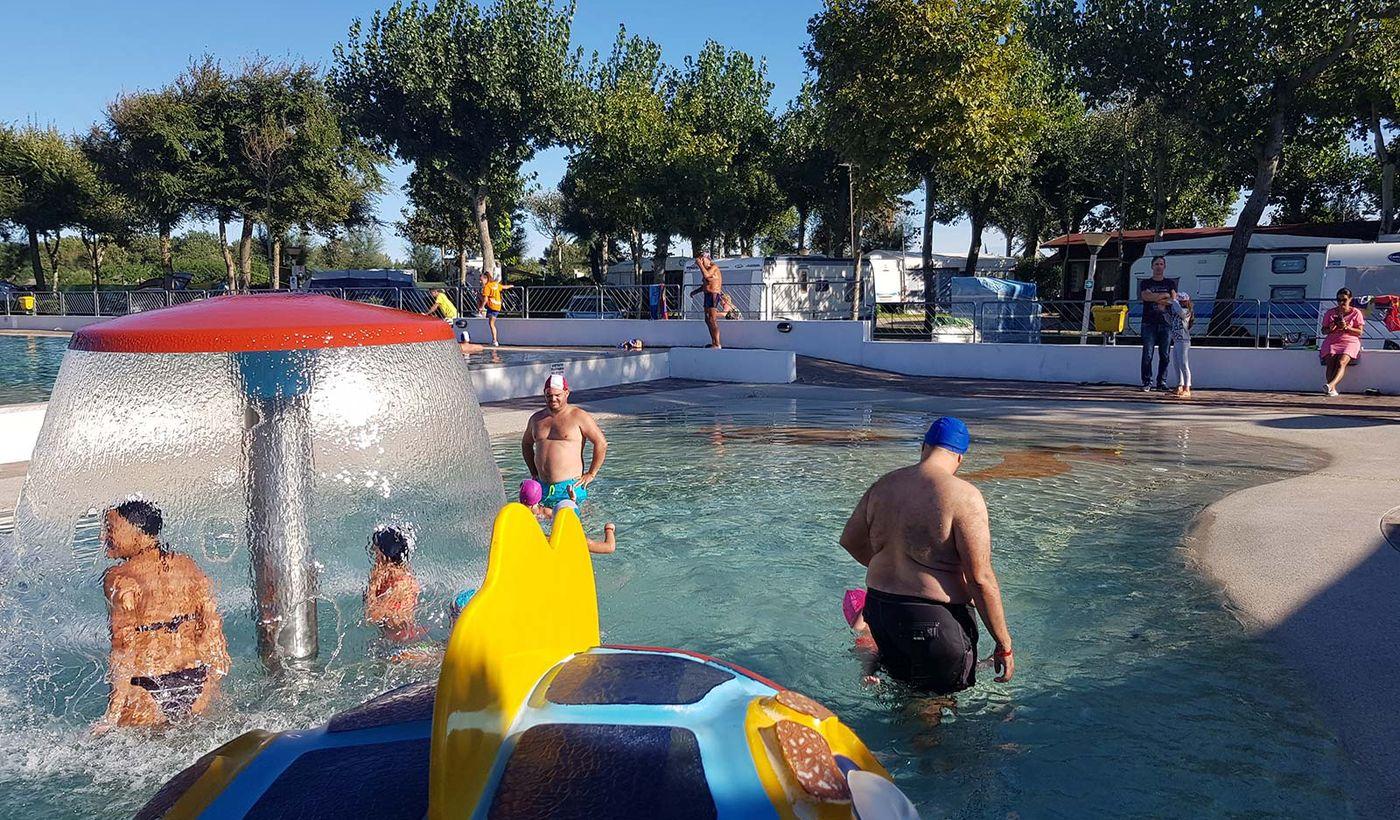 Camping Oasi - Divertimento in piscina