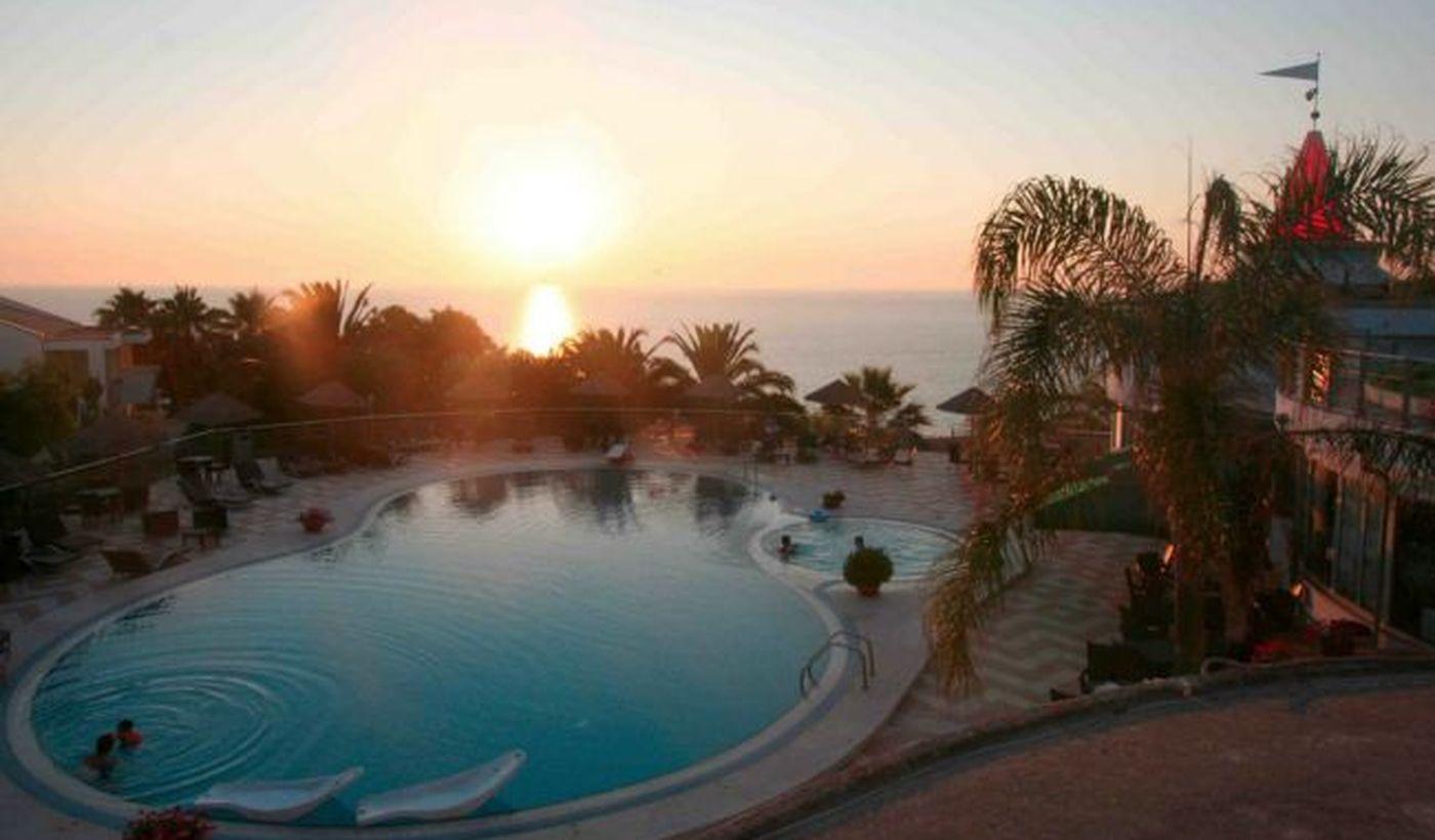La Piscina dell'Hotel Villaggio Stromboli