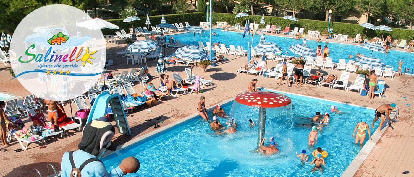 Villaggio turistico con piscina