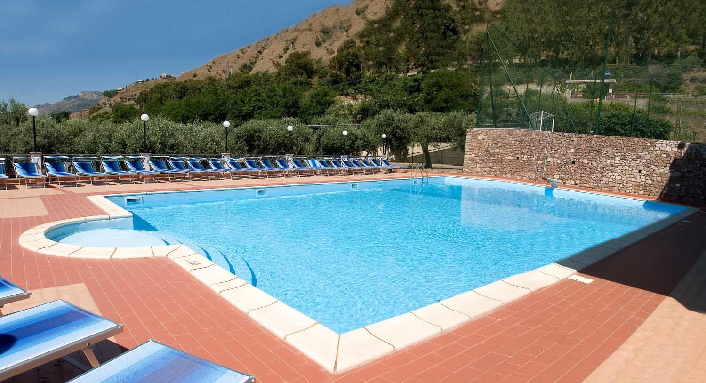 Camping con piscina in Sicilia