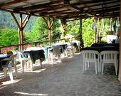Das Terrace Restaurant des Campingplatzes in Ligurien