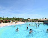 Swimmingpool für Erwachsene und Kinder