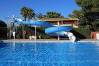 Scivolo della piscina del camping in Catalogna