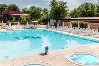 Campsite with swimming pool in Rome