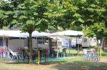 Campingplatz mit geräumigen Stellplätze