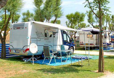 Campeggio con Camper Service