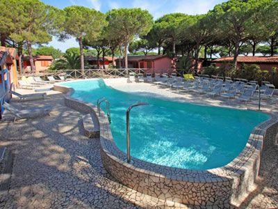 Campeggio con piscina ad Albinia
