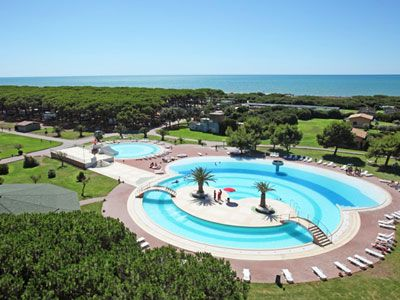 Camping with swimming pool in Lazio