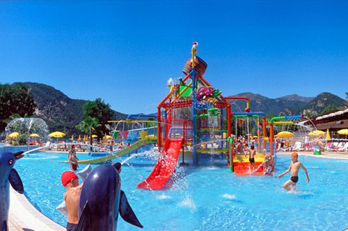 Camping isolino camping continental camping en pi mont for Camping en suisse avec piscine