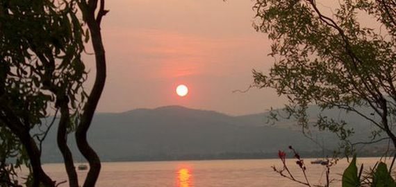 Sonnenuntergang auf See Bracciano
