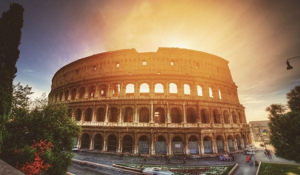 Roma e il Colosseo a Pasqua e ponti di primavera.