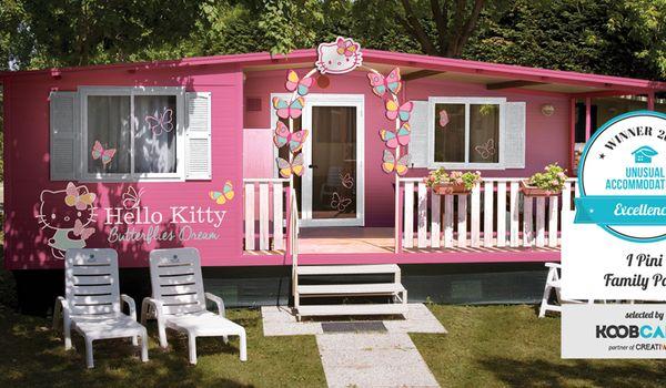 I Pini Family Park a Fiano Romano con le case di Hello Kitty