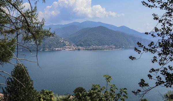 Veduta del Lago Maggiore in Piemonte