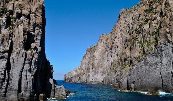 Scogliere a Panarea in Sicilia