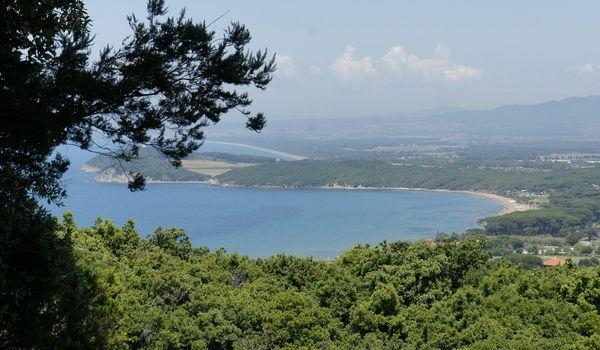 Panoramica di una spiaggia della Toscana