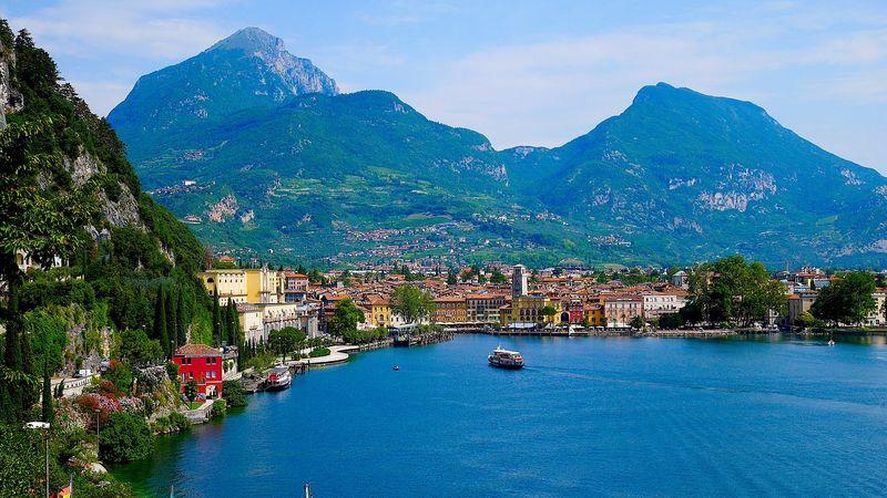 Camping nella parte trentina del Lago di Garda