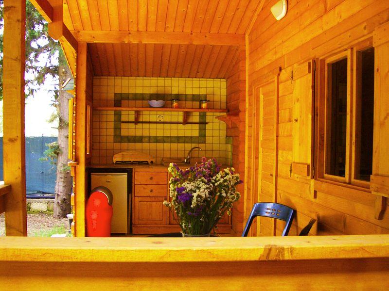Bungalow in legno con veranda