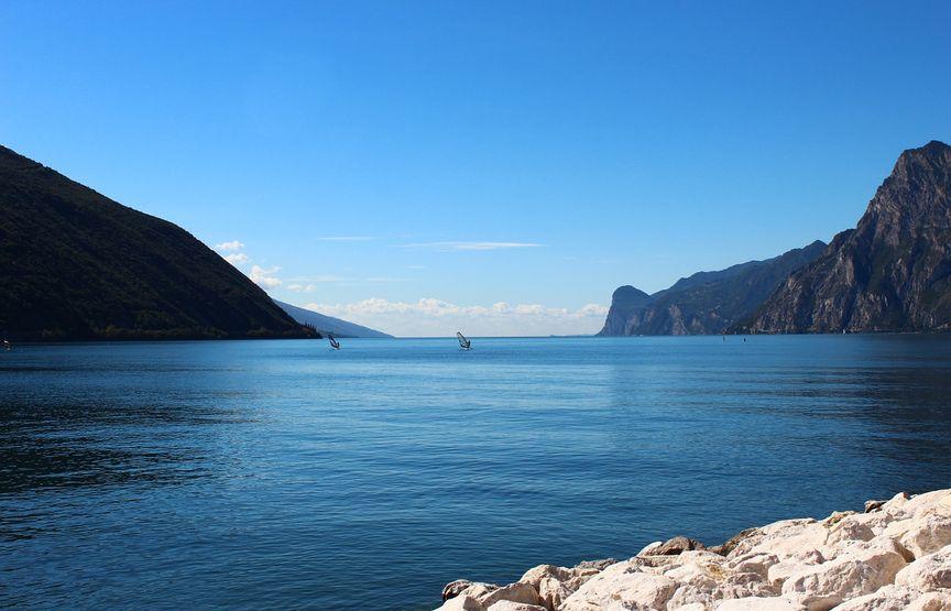 Campeggi e vini sul Lago di Garda