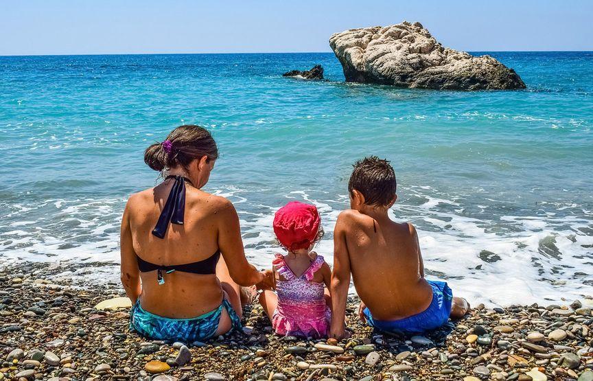 Campeggi per famiglie: piscine, sistemazioni originali e mini club!
