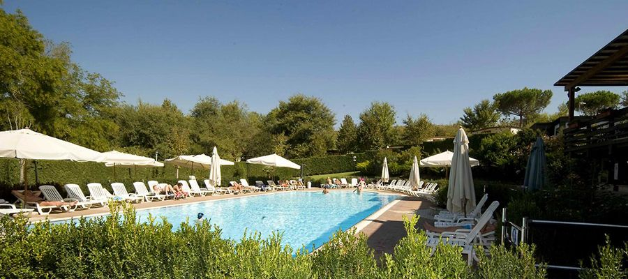 Camping Village with swimming pool in Lazio